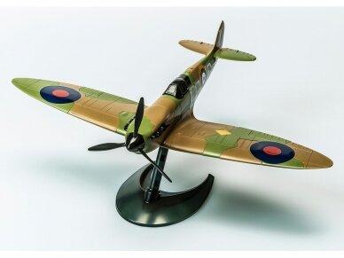 Airfix - QUICK BUILD Spitfire, J6000 2