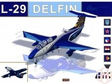 AMK - Aero L-29 Delfin, 1/72, 86001