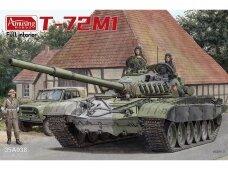 Amusing Hobby -T-72M1 (with Full Interior), Mastelis: 1/35, 35A038