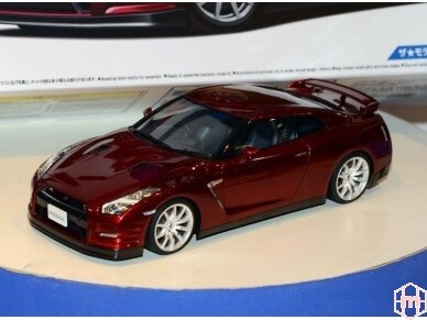 Aoshima - Nissan R35 GT-R pure edition 2014, Mastelis: 1/24, 05154 5