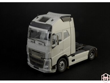 Italeri - Volvo FH16 Globetrotter XL, Mastelis: 1/24, 3940 2