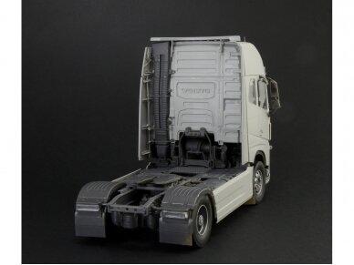 Italeri - Volvo FH16 Globetrotter XL, Mastelis: 1/24, 3940 3