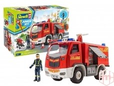 Revell - JUNIOR KIT Fire Truck with figure, Scale: 1/20, 00819