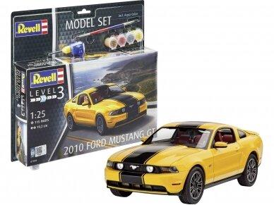 Revell - 2010 Ford Mustang GT dovanų komplektas, Mastelis: 1/25, 67046