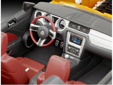 Revell - 2010 Ford Mustang GT dovanų komplektas, Mastelis: 1/25, 67046 6