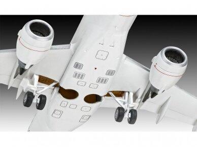 """Revell - Embraer 190 """"Lufthansa"""" Model Set, 1/144, 63937 6"""