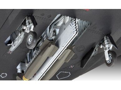 Revell - F-117A Nighthawk Steal Model Set, Scale: 1/72, 63899 3