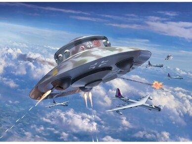 Revell - Flying Saucer Haunebu II, Scale: 1/72, 03903 4