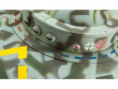 Revell - Flying Saucer Haunebu II, Scale: 1/72, 03903 3
