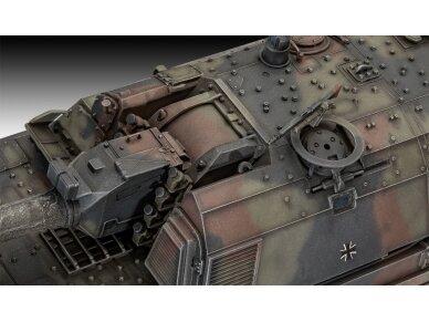 Revell - Panzerhaubitze 2000, Mastelis: 1/35, 03279 2