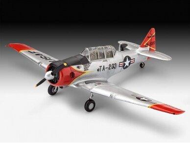 Revell - Model Set T-6 G Texan Model Set, Scale: 1/72, 63924 2