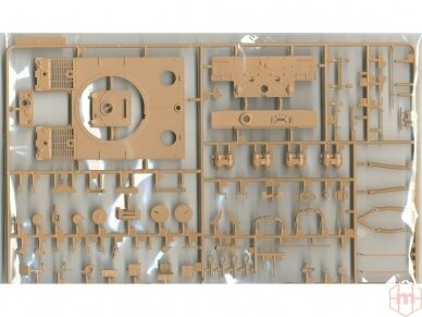 Rye Field Model - German Tiger I Early Production Wittmann's Tiger No. 504 with full interior and clear parts with workable tracks, Scale: 1/35, RFM-5025 6