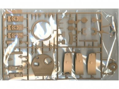 Rye Field Model - German Tiger I Early Production Wittmann's Tiger No. 504 with full interior and clear parts with workable tracks, Scale: 1/35, RFM-5025 18