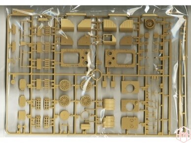 Rye Field Model - Jagdpanther G2 with Full Interior and Workable Track Links, Mastelis: 1/35, RFM-5022 15