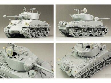 Rye Field Model - M4A3E8 Sherman w/Workable Track Links, Scale: 1/35, RFM-5028 2