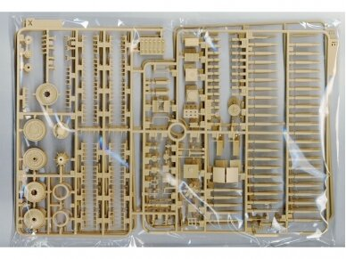 Rye Field Model - Panther Ausf.G with Full Interior & Cut Away Parts, Scale: 1/35, RFM-5019 12