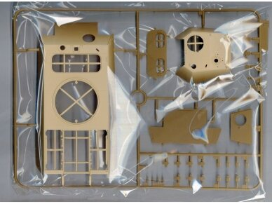 Rye Field Model - Panther Ausf.G with Full Interior & Cut Away Parts, Scale: 1/35, RFM-5019 5