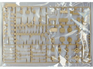Rye Field Model - Panther Ausf.G with Full Interior & Cut Away Parts, Scale: 1/35, RFM-5019 9