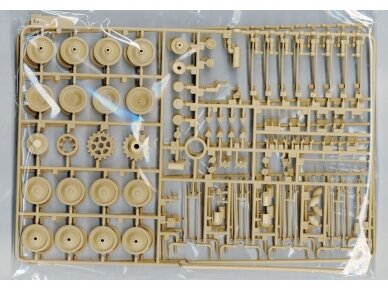 Rye Field Model - Panther Ausf.G with Full Interior & Cut Away Parts, Mastelis: 1/35, RFM-5019 10