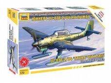 """Zvezda - Ju-87B2/U4 """"StuKa"""" with Skis German Dive Bomber, Scale: 1/72, 7323"""